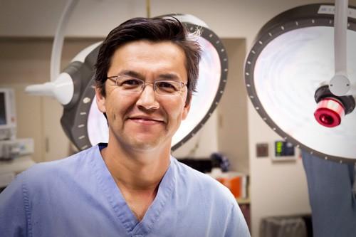 Dr. Luis Castro